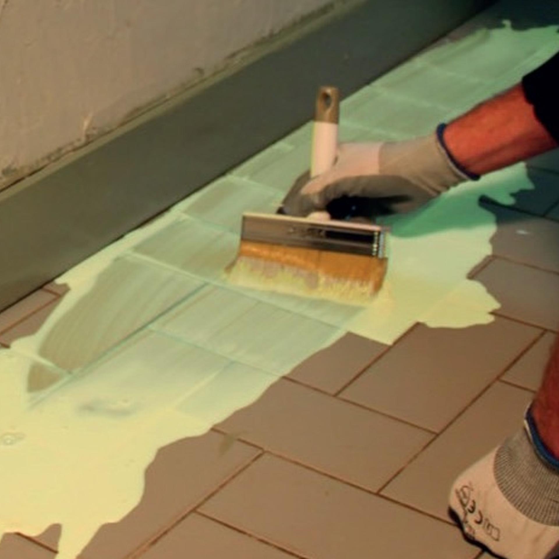 Tegels Over Tegels.Tegel Over Tegel Granito En Verfsystemen Op De Vloer Saint Gobain