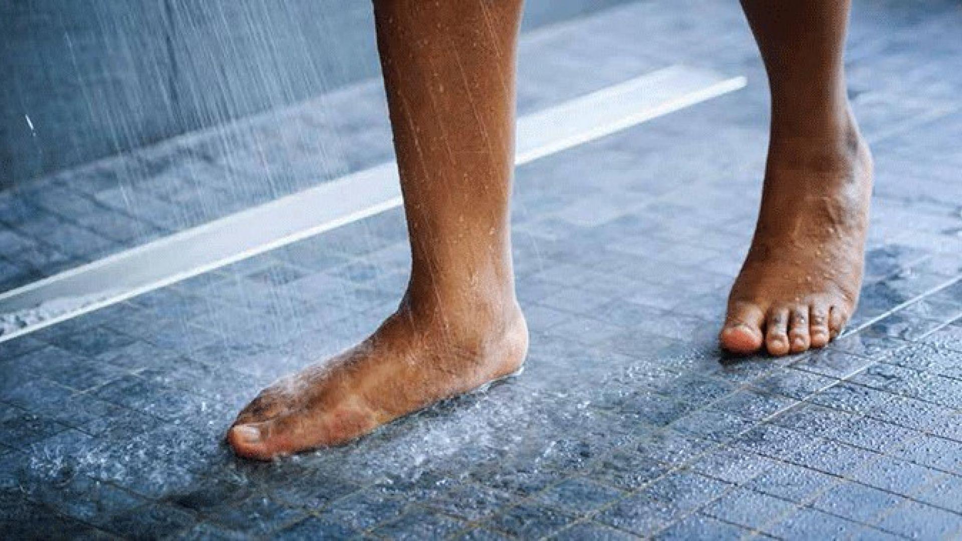 Tegels Badkamer Plaatsen : Het plaatsen van tegels in een badkamer saint gobain weber beamix